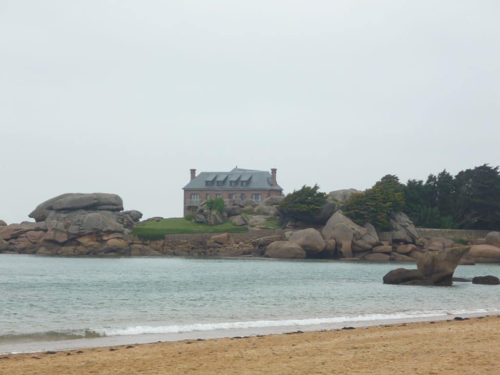 Stone house in Trégastel